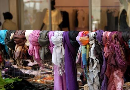 Modeschnäppchen auf dem Flohmarkt